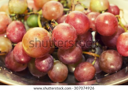 a bunch of ripe grapes