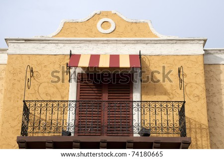 A California building shows the Mexican or Spanish architectural influence - stock photo