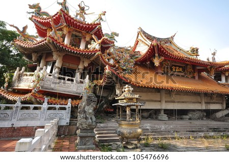 a chinese temple which was destroyed by earthquake