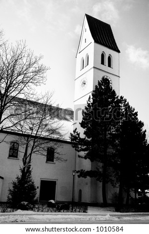 a church in Munich in the winter.  Black and white photo.