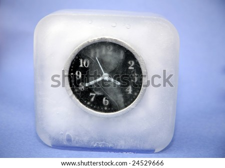 Melting Clock Stock Photos Images Amp Pictures Shutterstock
