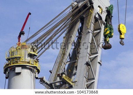 A detail of one of the worlds largest mast-cranes, able to lift up to 5000t