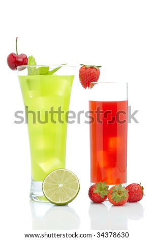 A glass of fresh strawberry and kiwi juice reflected on white background