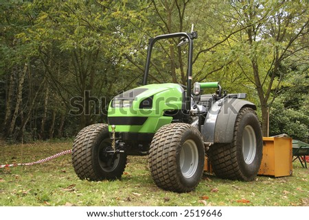 A green tractor