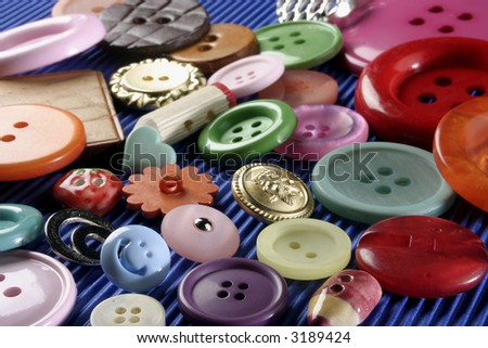 A group o buttons in different colors