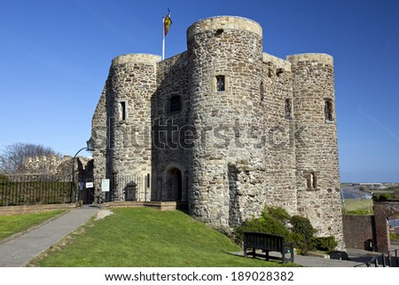 A landscape view of Rye Castle Ypres Tower