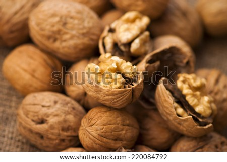 a lot of walnuts in the peel