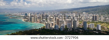 A panoramic view of Honolulu as seen from the Diamond Head lookout.