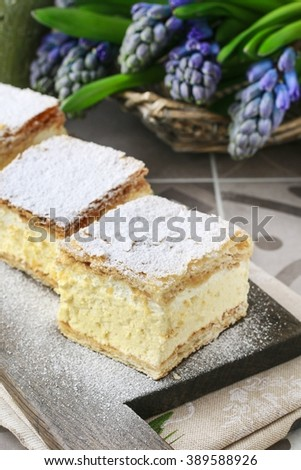 A Polish cream pie made of two layers of puff pastry, filled with whipped cream.