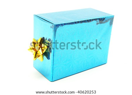 A present box wit bow on white