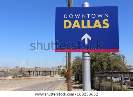 A sign marking the way to Downtown Dallas, Texas. - stock photo