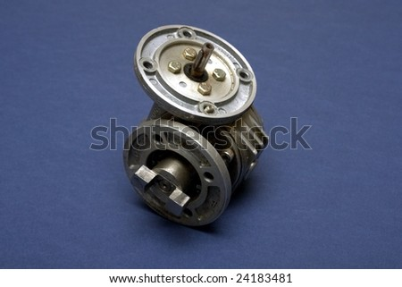 A small gear box used with various motors