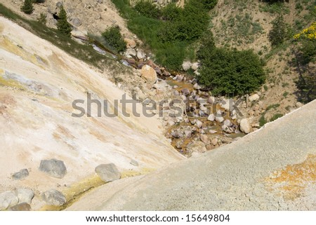 A small sulfur spring in Lassen Volcanic National Park