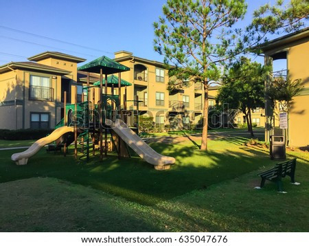 Suburban playground stockbilder und bilder und vektorgrafiken ohne lizenzgeb hren shutterstock for Find a builder in your area