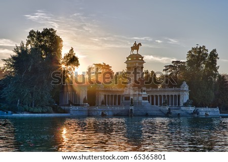 A view at dawn of the Monument to Alfonso XII in the Parque de Buen Retiro in Madird, Spain.