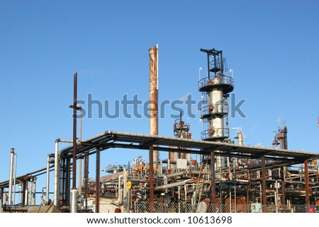 A view of an operational oil refinery - stock photo