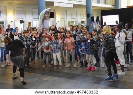 AALSMEER - THE NETHERLANDS - OCTOBER 8: Mayor children welcome refugees children on the national day of children mayors on October 8, 2016 in Aalsmeer.