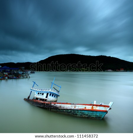 Abandoned ship and cloud movement
