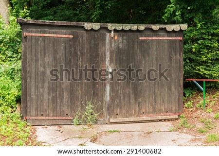 abandoned wooden shed