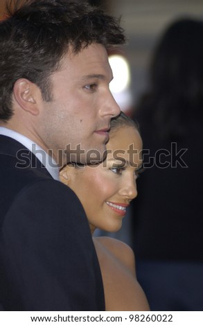 Actor BEN AFFLECK & fiance actress/singer JENNIFER LOPEZ at the Los Angeles premiere of his new movie DareDevil. 09FEB2003.   Paul Smith / Featureflash - stock photo