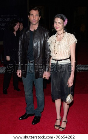 Actor DYLAN McDERMOTT & wife SHEVA at the 2001 Blockbuster Awards in Los Angeles. 10APR2001.    Paul Smith/Featureflash