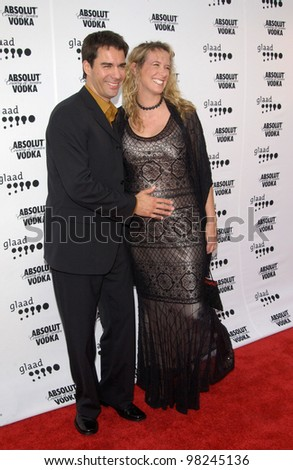 Actor ERIC McCORMACK & wife JANET at the 2002 GLAAD (Gay & Lesbian Alliance Against Defamation) Awards at the Kodak Theatre, Hollywood.  13APR2002.   Paul Smith / Featureflash - stock photo