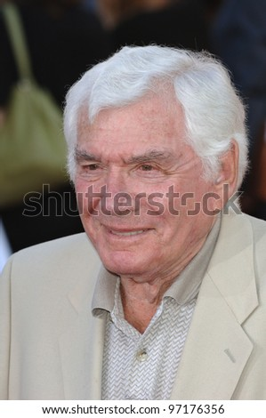 Actor GENE BARRY at the special fan screening of War of the Worlds at the Grauman's Chinese Theatre, Hollywood. June 27, 2005 Los Angeles, CA  2005 Paul Smith / Featureflash