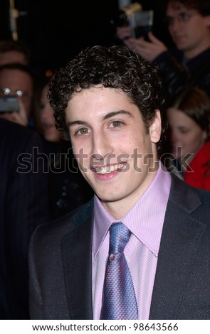 Actor JASON BIGGS at the world premiere, in Los Angeles, of his new movie Saving Silverman. 07FEB2001.   Paul Smith/Featureflash