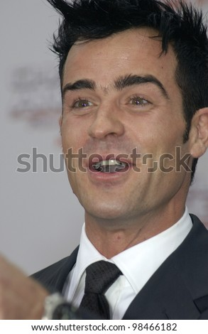 Actor JUSTIN THEROUX at the Hollywood premiere of  his new movie Charlie's Angels: Full Throttle. June 18, 2003  Paul Smith / Featureflash