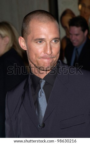 Actor MATTHEW McCONAUGHEY at the Los Angeles premiere of his new movie The Wedding Planner.  23JAN2001   Paul Smith/Featureflash