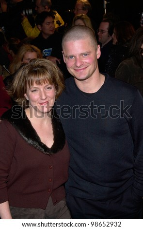 Actor STEVE ZAHN & wife ROBYN PETERMAN at the world premiere, in Los Angeles, of his new movie Saving Silverman. 07FEB2001.   Paul Smith/Featureflash - stock photo