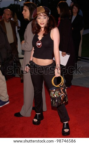 Actress DANA DAUREY at the world premiere, in Hollywood, of Hardball. 10SEP2001.   Paul Smith/Featureflash