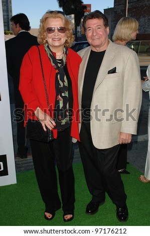 Actress GENA ROWLANDS & husband at the Los Angeles premiere of the hit Broadway musical Wicked, at the Pantages Theatre, Hollywood. June 22, 2005 Los Angeles, CA  2005 Paul Smith / Featureflash