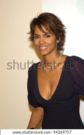 Actress HALLE BERRY at the Women in Film Crystal and Lucy Awards at the Century Plaza Hotel, Los Angeles. 20SEP2002.    Paul Smith / Featureflash - stock photo