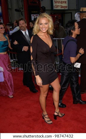 Actress JENNIFER O'DELL at the world premiere, at the Mann's Chinese Theatre, Hollywood, of Rush Hour 2. 26JUL2001   Paul Smith/Featureflash