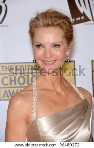 Actress JOAN ALLEN at the 11th Annual Critics' Choice Awards in Santa Monica, presented by the Broadcast Film Critics Association. January 9, 2006  Santa Monica, CA  2006 Paul Smith / Featureflash