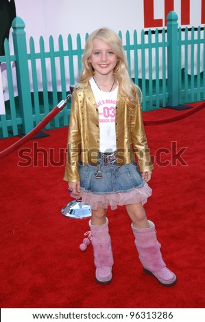 Actress KATHRYN NEWTON at the world premiere of Walt Disney's Chicken Little at the El Capitan Theatre, Hollywood. October 30, 2005 Los Angeles, CA  2005 Paul Smith / Featureflash - stock photo
