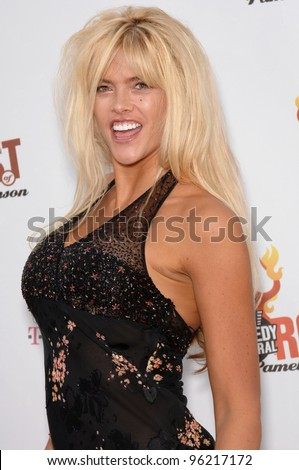 """Actress/model ANNA NICOLE SMITH at """"Comedy Central's Roast of Pamela Anderson"""" at Sony Studios, Culver City. August 7, 2005 Culver City, CA  2005 Paul Smith / Featureflash - stock photo"""