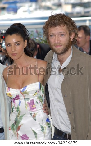 Actress MONICA BELLUCCI & actor VINCENT CASSEL at the Cannes Film Festival to promote their new movie Irreversible. 24MAY2002.   Paul Smith / Featureflash - stock photo