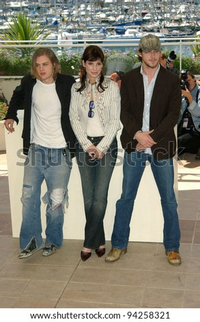 Actress SANDRA BULLOCK with actors RYAN GOSLING (right) & MICHAEL PITT at the Cannes Film Festival to promote their new movie Murder By Numbers. 25MAY2002.  Paul Smith / Featureflash