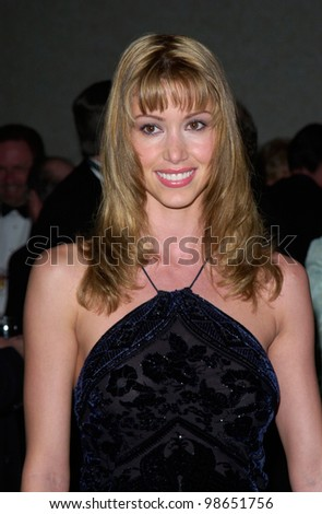 Actress SHANNON ELIZABETH at the 51st Annual ACE Eddie Awards in Beverly Hills. 25FEB2001   Paul Smith/Featureflash