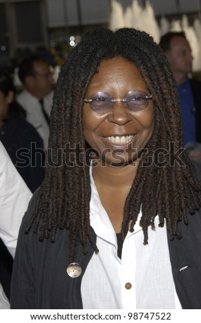 Actress WHOOPI GOLDBERG at the world premiere of Rat Race, in Los Angeles. 30JUL2001.  Paul Smith/Featureflash - stock photo