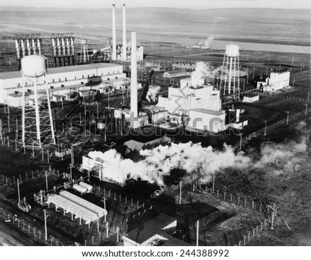 Aerial view of the 100-B Area with the Reactor B, the first large scale nuclear reactor ever built. The Hanford Site of the Manhattan Project produced the Plutonium-239 for the second atomic bomb. - stock photo