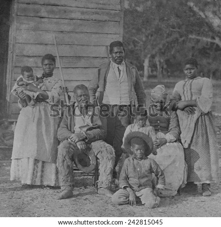 the role of enslaved women in slave communities There is ample evidence of sexual relations, from rapes to what appear to be relatively symbiotic romantic partnerships, between white slave masters and black women in the antebellum south.