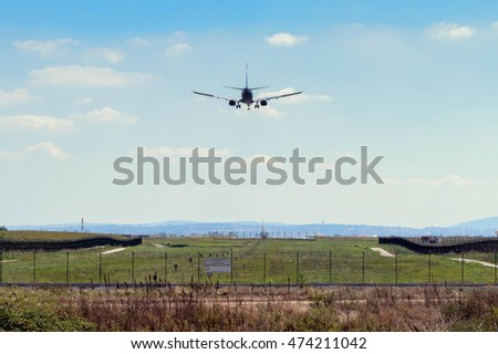 Airplane approach for landing