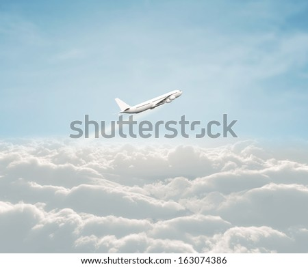 airplane flaying in blue sky
