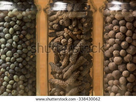 Allspice, green pepper and long pepper