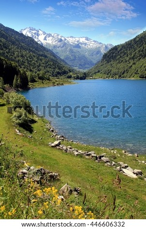 Alpine lake of Artouste in the french pyrenees