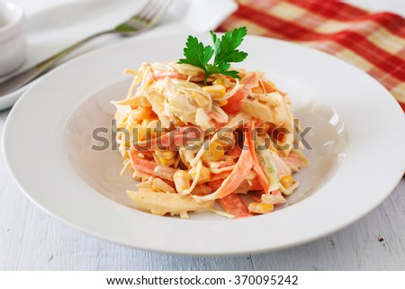 american typical coleslaw salad with apple and carrot