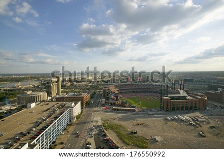 An elevated view of the third Busch Stadium and St. Louis, Missouri, where the Pittsburgh Pirates beat the 2006 World Series Champion baseball team, the St. Louis Cardinals 9/2/06 - stock photo